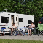 woodovis-park-camping-touring-devon-gallery-all-weather-pitch-03