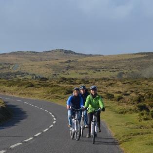 Woodovis-Park-camping-touring-Devon-Electric bikes