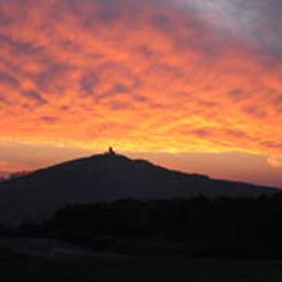 woodovis-park-camping-touring-devon-out-&-about-brentor-sunset
