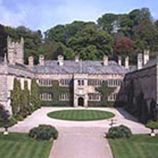 woodovis-park-camping-touring-devon-out-&-about-lanhydrock-house