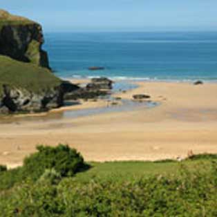 woodovis-park-camping-touring-devon-out-&-about-mawgan-porth