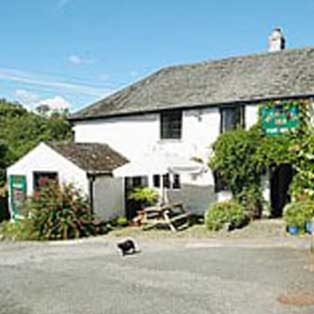 woodovis-park-camping-touring-devon-out-&-about-peter-tavy-inn