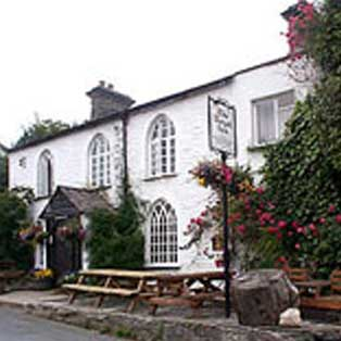 woodovis-park-camping-touring-devon-out-&-about-royal-inn