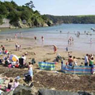 woodovis-park-camping-touring-devon-out-&-about-salcombe-north-sands