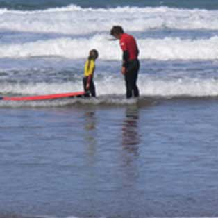 woodovis-park-camping-touring-devon-out-&-about-sandymouth-surf-school