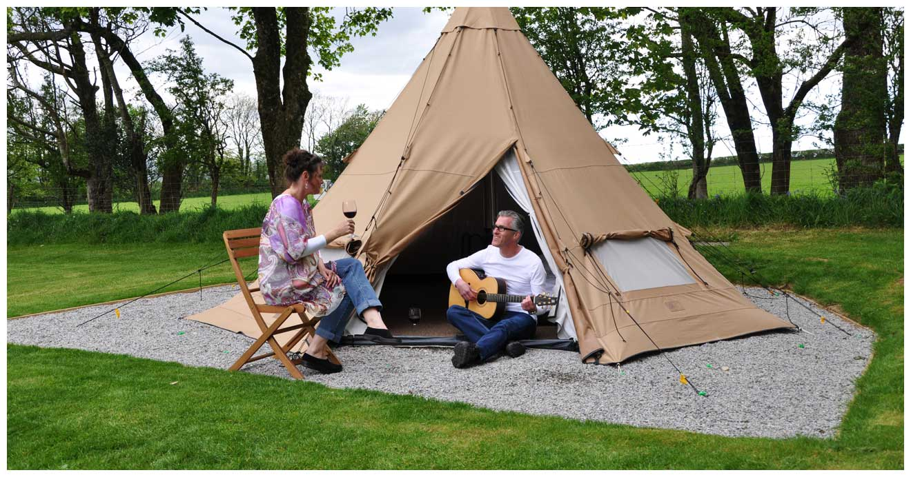 woodovis-park-camping-touring-devon-slider-08-tipi-new