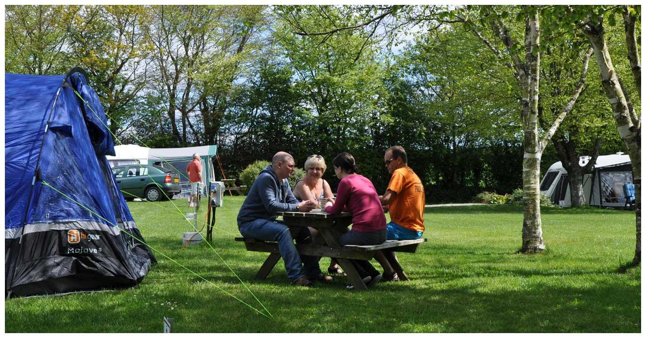 woodovis-park-camping-touring-devon-slider-12-grass-pitches