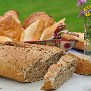 woodovis-park-camping-touring-devon-the-park-facilities-fresh-bread